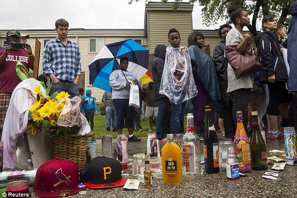 Bishop David (@5723Michael): Michael brown memorial site, speaks volumes. http://t.co/AeZYwu17F6