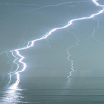This lightning photo off Leucadia pretty much crackles: http://t.co/trhB8JVi4v http://t.co/Rn4OZ5Tj2b