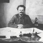 "RT @Binouite: Caramba RT ""@itele: ► Le 20 août 1940, Léon Trotski était assassiné par Ramón Mercader à Mexico http://t.co/ariKjdnfP7"""