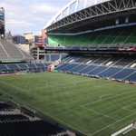 """MT Crop circles gone. No gridiron lines. Let's play some fùtbol! Sounders v Quakes. 7pm http://t.co/9FOrNTTrmv"""" Looking better @RBPitch"""