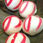 """RT @livedoornews: 【のまんじゅう】幻の沖縄銘菓「ぎぼまんじゅう」 http://t.co/oCPXQikiKt """"の""""の字はお祝い用の「のし」を意味している。数人による手作りで、1日に半端ない数で売れるため発売数時間で売り切れてしまう。 http://t.co/A4UGYlBibD"""