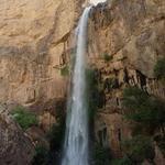 RT @shamsi_16m2: هذا المنظرليس في صلالة أنماهي صورة ملتقطة من جبال محافظة الظاهرة لشلال ينساب متدفق من قمم هذه الجبال #عمان_الغالية http://t.co/axF8fHxkTl