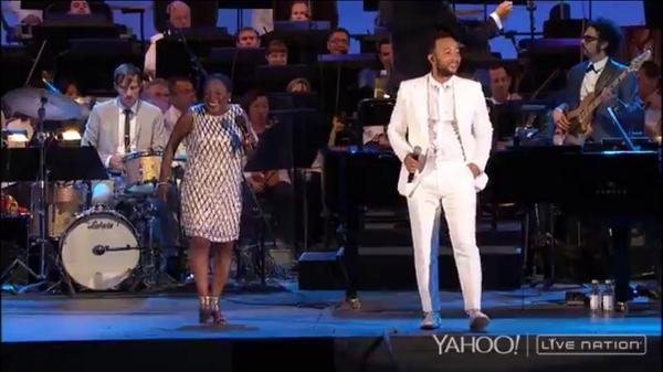 """If This World Were Mine"" one of my favorite Marvin Gaye songs! http://t.co/NcBI91abFu #yahoolive http://t.co/1CzvMmwdcC"