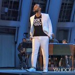 """John Legend came out tonight wearing a """"Dont Shoot"""" shirt at show with LA Philharmonic #MikeBrown (photo: @JNICExi): http://t.co/tLAuxEiAnI"""