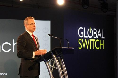 Launching the new @globalswitch Sydney East data centre, a $300m investment the size of 10 football fields #commsau http://t.co/AKZf6418n7