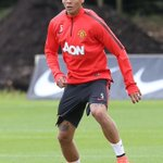 EXCLUSIVE: Images from Marcos Rojos first #mufc training session. #RojoIsRed http://t.co/mMzqrCYhYV