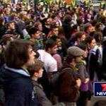 RT @7NewsAdelaide: NEXT: Students wait for Tony Abbott at Adelaide Uni | Live to @mikesmithson7 on the scene at 6PM http://t.co/0NgfFw6QYd