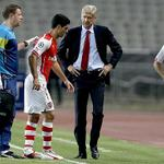 Arsene Wenger says he wants a new defensive midfielder. Khedira, Bender, Carvalho considered http://t.co/vSdPXwuxyP http://t.co/q4o4rxL3Na