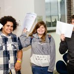 Lots of smiles around Southlands High School today as students receive their #GCSEresults http://t.co/AsWhhqD9GV