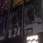 Promo de la performance de Beyoncé aux MTV Vmas à Time Square. Merci à Leila Madene pour les photos. http://t.co/Z3NTnSXCAV