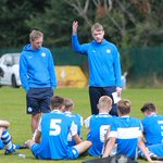 Half-time team talk for the Posh under 16s from @grantmccann11 #pufc http://t.co/oVkfjJ68gc