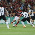 De virada, Flamengo vence Atlético-MG por 2 a 1. http://t.co/eRlmPT2zQ0 http://t.co/POAjHBdFps