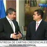 RT @InformateHN: Embajador de la república de Bélgica, hace entrega respectiva de sus cartas credenciales al pdte @JuanOrlandoH http://t.co/OG3m77HI8Y