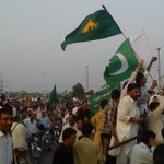 Pindi Faiz Abad Rally by N League Voters, chanted #GoImranGo , Now IK must leave Dharna as he promised yesterday? http://t.co/7sZn9lyKCv