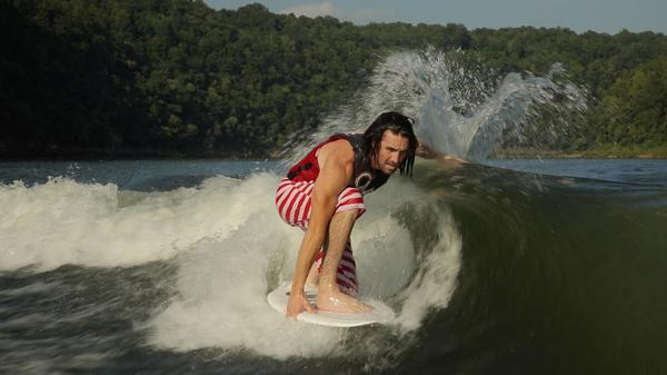 Country music star @jakeowen picked up his '15 Wakesetter #23LSV and didn't waste any time! #wakesurfing http://t.co/ERLTyyapN0