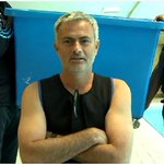 RT @PurelyFootball: VIDEO: Jose Mourinho does the ice bucket challenge. His reaction is priceless http://t.co/v9boyf3EcA http://t.co/azzbo3uWum