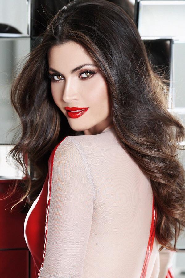 #red #lipstick rojo Usalo n esos días q sientes q nada t queda! #nofalla #beautytips #WomanCrushWednesday