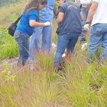 Encuentran dos cadáveres en las afueras de #Tegucigalpa. Ver la nota completa: http://t.co/9BVVjdaGDF http://t.co/WNL0js2Xuj