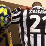 RT @lequipe: Quand Materrazzi nomine Zidane au Ice Bucket Challenge (vidéo) http://t.co/z6cnceujvz http://t.co/pDuC32YQcY
