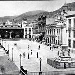 Plaza de Candelaria de Santa Cruz de Tenerife, año 1.960. #HistoriaDeTenerife Pocas cosas quedan. http://t.co/MDl0ZUdgaY