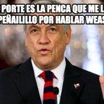 REACCIONES de Piñera a la sacada de cresta que le dio el @min_interior Rodrigo Peñailillo. cc @AlvaroElizalde. +100 http://t.co/bsP0yaXA5y