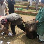 RT @SikanderFayyaz: The lady is Dr Yasmin Rashid, GS PTI Punjab. RT @sarasaeedPTI Cleaning #AzadiSquare! Awsome Scenes. http://t.co/D7nNs9RBNM @umer_thecreeper