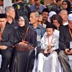 RT @HilalAzmi: Terus sabar menanti #FamilyMH17 #MengenangMH17 #MalaysiaBerkabung @501Awani http://t.co/BQEXwrkJPi