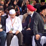 RT @HilalAzmi: #FamilyMH17 #MengenangMH17 #MalaysiaBerkabung @501Awani http://t.co/bDSXiUz26E