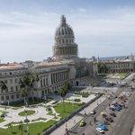 Esta foto la tomé hoy en la tarde. Es el Capitolio de La Habana, está en restauración. #Cuba. Si te GUSTA da RT http://t.co/bwPGtiKEYE