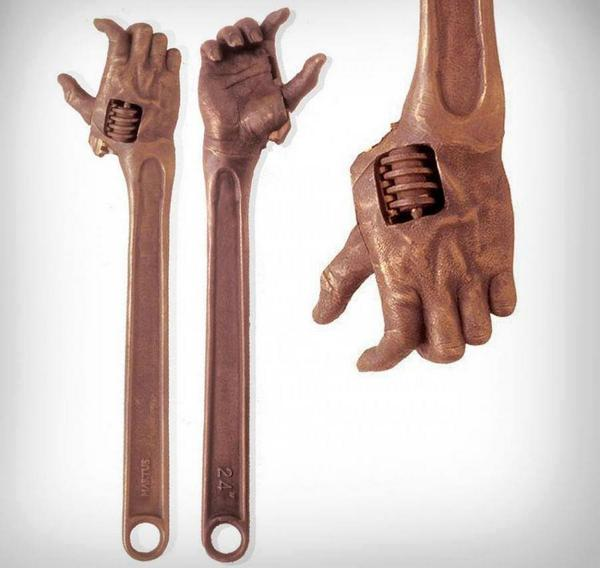 This is the creepiest wrench ever. http://t.co/am5WrF3yiu