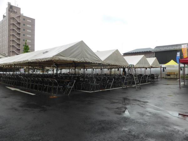 今日17時30分から全国地ビールフエスティバルin一関!が始まります。 全天候対応!屋根つき会場1500席以上! 席数は格段と増やしました! 今日から美味しい全国のビールと美味しい食で楽しい3日間をお楽しみ下さい! http://t.co/QKvZwOVO2k