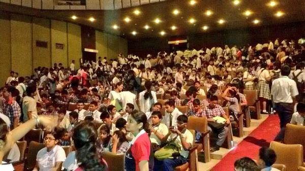 Absolutely electrifying environment at #Kolkata for the #TCSITWiz 2014! Quizbo, Tweetbo, Jeetbo re! :D #FF @TCSITWiz http://t.co/HMySk97ac0