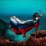 RT @_MATPOCKuH: Сегодня: День Государственного флага Российской Федерации. http://t.co/Bp0S85gb7s