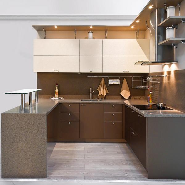 П образная кухня с окном и барной стойкой дизайн