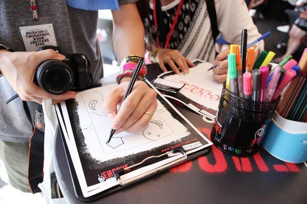 自分でデザインしたZippoを欲しいと思ったことはない?今こそチャンス!SWEET LOVE SHOWER 2014 @sls_sstv で、Zippoデザインコンテストを開催!限定のノベルティも見逃すな! #ラブシャ #zippo http://t.co/g59PuzftZw