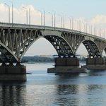 Мост Саратов-Энгельс могут открыть 29 августа http://t.co/PrXJzTVSan http://t.co/MWdqWt3wqN