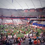 Lunch on the @CarrierDome44 turf! #SUWelcome http://t.co/HhOvLDEcsU