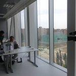 El emprendedor @napulido recibe a periodistas de Aragón TV en @La_Terminal_ para hablar de impresión 3D @minene3d http://t.co/HFldmBTY3l