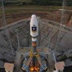 RT @ecuavisa: Despegan con éxito los dos primeros satélites del Galileo, el GPS europeo http://t.co/sj8XSsbYqs http://t.co/bQIkfgDeZs