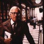 94 года назад, 22 августа 1920 г., родился Рэй Брэдбери, американский писатель, философ, классик научной фантастики. http://t.co/kksknEeE66