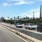 TRÂNSITO: Diversos veículos estão retornando na contra mão na BR devido ao protesto dos rodoviários. http://t.co/NyKje88XGT