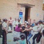 @trafficVALENCIA Esto no es Lo peor, Lo PEOR es que el Venezolano se esta Acostumbrando! Animales o Humanos? http://t.co/6MVg9ilfRI