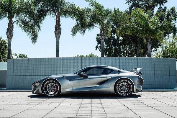 Last week in California Toyota revealed a second FT-1 sports car concept with a graphite exterior. http://t.co/LYLtbBxNC1
