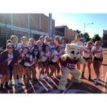 RT @WildcatsGameday: Your Chico State Volleyball team looking fierce this morning to welcome the new Wildcats! #ChicoUKnow #ChicoWW http://t.co/Wdqws0eh9k