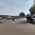 A esta hora continúa desalojo de vendedores en el Mercado Central de #Montería. Alcaldía recupera espacio público. http://t.co/FtaKCDk4su