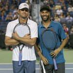 PHOTOS--> It was a night to remember for James Blake and @andyroddick at the #CTOpen14 http://t.co/Mkz07mP5gt http://t.co/Sjqdm4UgbM