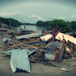 Junto a las murallas del Rio Sinu quedaba este mercado por muchos años , ahora le dará paso a la ronda del Sinu http://t.co/imaBRaebbP