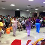 RT @bmberrio: Un grupo de abuelas prendieron la fiesta y participan por un premio @MeridianoWeb http://t.co/VMITSoLCXY