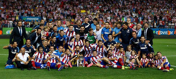 Atletico Madrid'li futbolcular, Süper Kupa'yla böyle poz verdi http://t.co/XzcXctb0h2