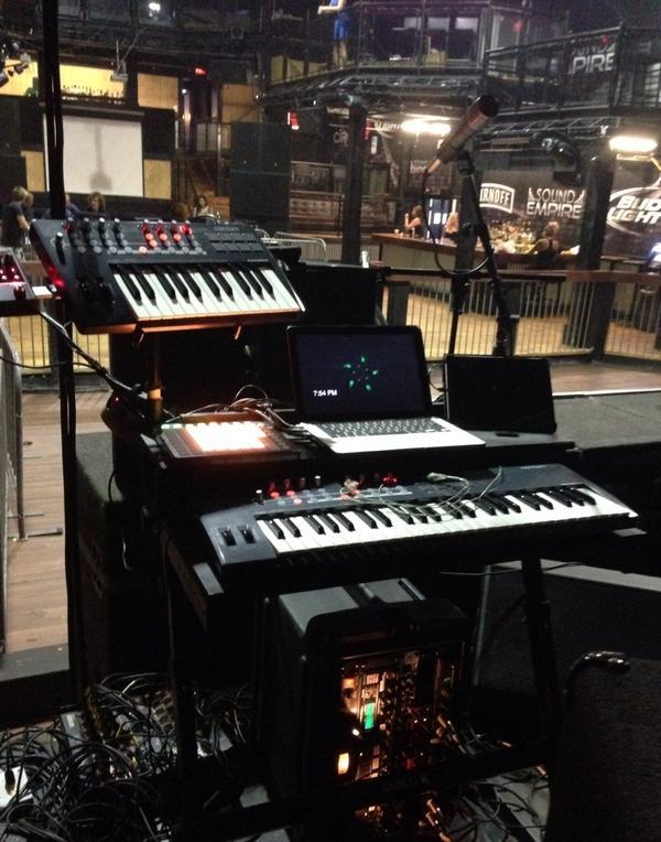 Fave synth rig so far! #dropdeadfamous #novation #motu #mididesigner #ableton http://t.co/cSMoJylusV